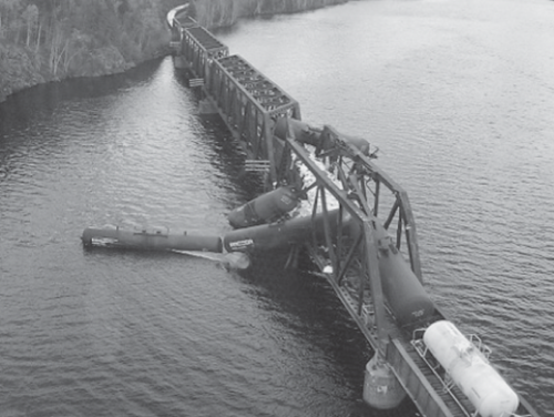 Train derailment on a fracture-critical truss bridge